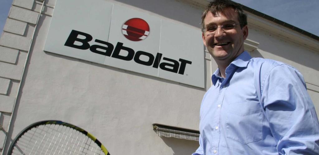 Eric Babolat devant le siège de la société à Lyon