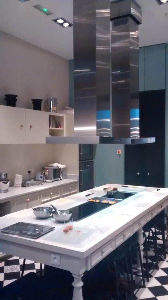 Une partie de la cuisine de l'atelier des sens