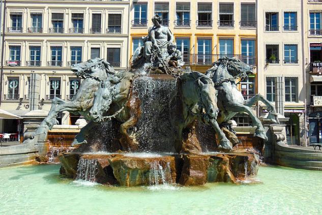 2016-05-10 18_08_12-Fontaine-Bartholdi-1 - Fontaine Bartholdi — Wikipédia