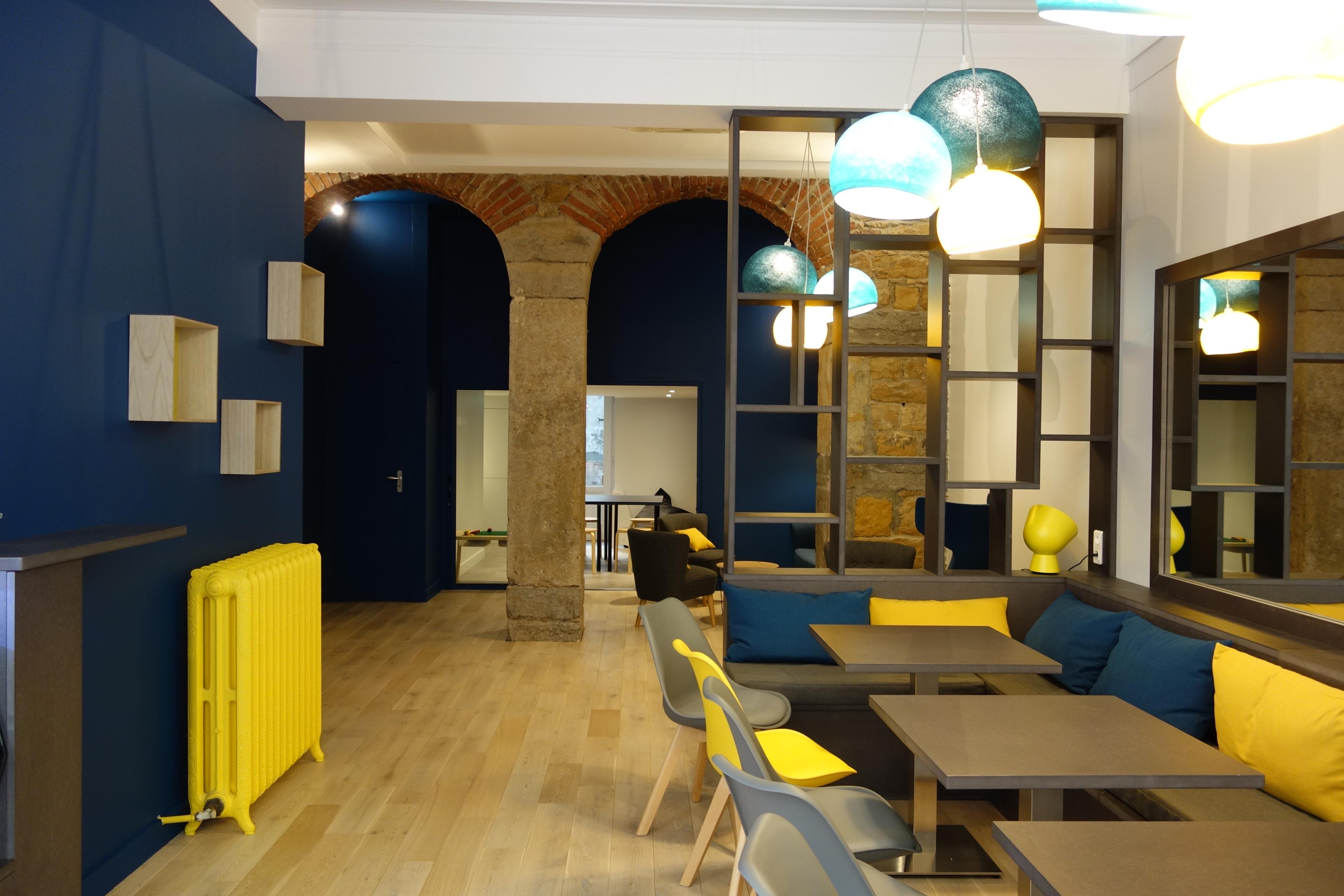 Le Tout Petit Café: le nouveau salon de thé familial – ÉTABLISSEMENT FERMÉ