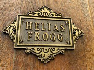 Enseigne mural métallique Hélias Frogg